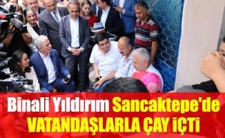 Binali Yıldırım Sancaktepe'de vatandaşlarla çay içti