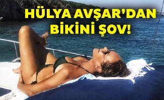 Hülya Avşar'dan bikini şov!