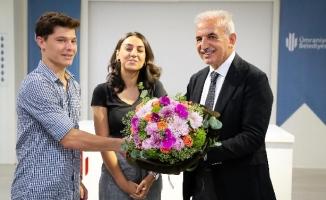 Başkan Yıldırım Üniversiteyi Kazanan Öğrencilerle Buluştu