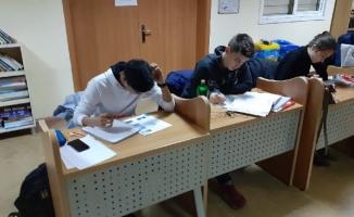Cahit Zarifoğlu Kütüphanesi Artık Gece Yarısına Kadar Açık
