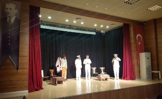 Tiyatro Oyunları Ümraniyelilerden Büyük Alkış Aldı