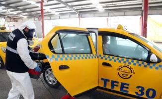 Ataşehir'de Taksi Ve MinibüslerDezenfekte Ediliyor