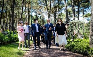 Yıldırım, Dostlar Bahçesi Projesi İçin Konsoloslarla Buluştu