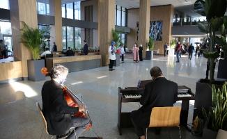 Belediye Çalışanlarına Müzikli Karşılama
