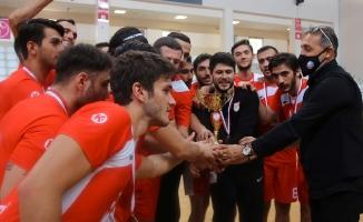 Ümraniye Belediyesi Hentbol Takımı İkinci Lige Yükseldi