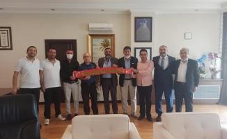 Sarıgazispor'dan İlçe emniyet Müdürüne 'Hoş geldin' ziyareti
