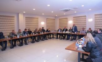 Süleyman Aydınalp gazeteci dostlarını bir araya getirdi