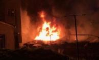 Ataşehir'de gecekondu yandı