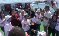 Engelli Vatandaşlar Tekne Turunda Doyasıya Eğlendi