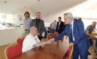 Kaymakam Çakıroğlu, Yaşlı Bakım Merkezini Ziyaret Etti