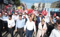 Ümraniye'de on binler Sevgi Yürüyüşü'nde bir araya geldi