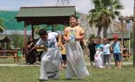 Anneler ve çocukları, Yaz Okulu'nda birlikte eğitim alıyor