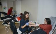 Tuzla Belediyesi Gençlik Merkezi, Türk Kızılayı'na 132 ünite kan bağışladı