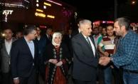 Binali Yıldırım Teravih Namazını Sultanbeyli'de Kıldı