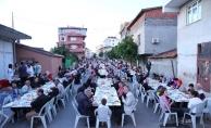 Ekşioğlu Mahallesi'nde Kurulan İftar Programına Binlerce Vatandaş Katıldı