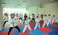 Çekmeköylü Çocuklar Yaz Spor Okullarında Doyasıya Eğleniyor