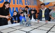 Üsküdar'da Düzenlenen Drone Ve Robotik Festivali Gençleri Mutluluktan Uçurdu