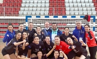 Üsküdar'ın Altın Kızları Hentbol Süper Ligi'nde Emin Adımlarla İlerliyor