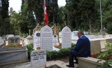 Başkan Can 15 Temmuz Şehitlerimizin Kabirlerini Ziyaret Etti