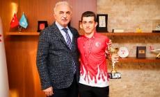 Ümraniye Belediyesi'nin Sporcusu Dağ Bisikletinde Türkiye Şampiyonu Oldu