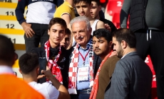 Başkan Yıldırım, Öğrencilerle Ümraniyespor Maçını İzledi