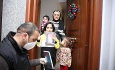 Evdeki Öğrencilere Dezenfekte Edilmiş 35 Bin Kitap